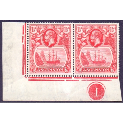 55 - 1924 1 1/2d Rose Red, unmounted mint corner marginal pair with plate No. with left stamp showing ''C...