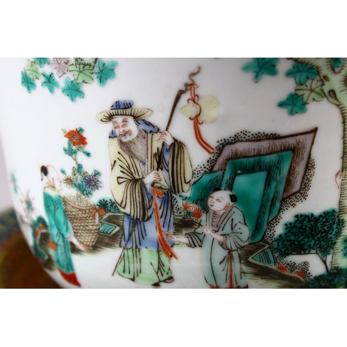 48 - A 19TH / 20TH CENTURY CHINESE FAMILLE VERTE PORCELAIN JARDINIERE & TRAY, decorated with scenes of fi...
