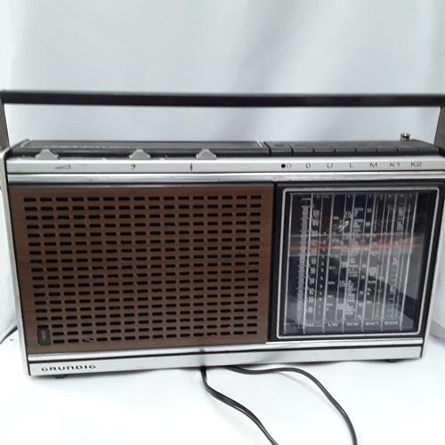 1028 - A vintage Grundig radio....