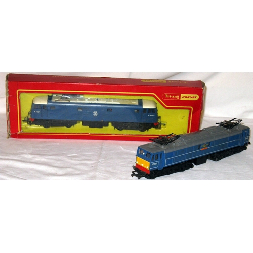 14 - TRIANG HORNBY R758 BR Blue E3001 O/H Electric in a Fair Plus Box and a R351BR Blue EM2 'Electra'. Bo...
