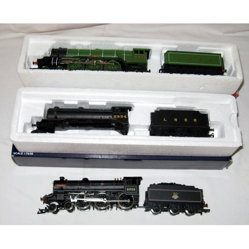 21 - REPLICA/BACHMANN and HORNBY - a Replica 11011  BR Black Class B1 4-6-0 'Qurebi' - Excellent and Bach...