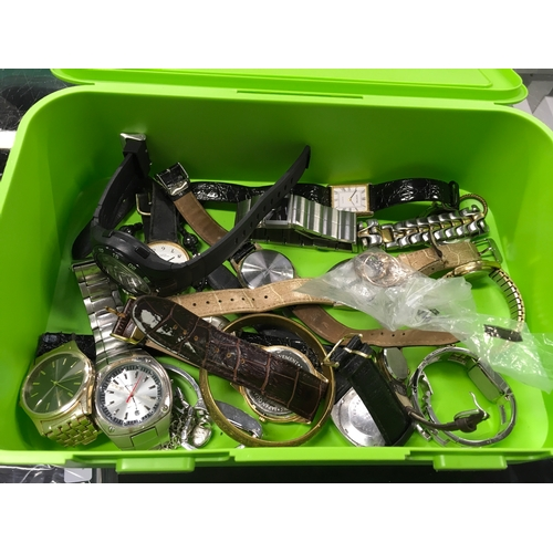 249 - A box of assorted watches....