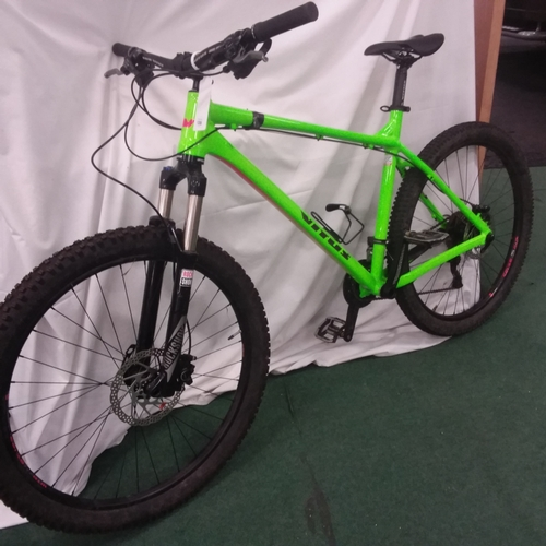 1288 - A Vitus Sentier mountain bike. 20 speed with front suspension and hydraulic disc brakes. In very goo...
