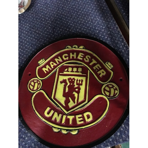 1003 - A Manchester United football plaque. (160)...