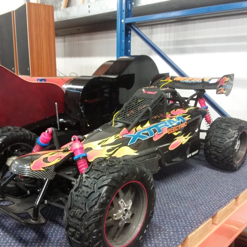 1162 - An Xtreme battery powered dune buggy....
