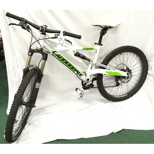 1286 - A Cannondale Prophet mountain bike. 9 speed with full adjustable suspension and hydraulic disc brake...