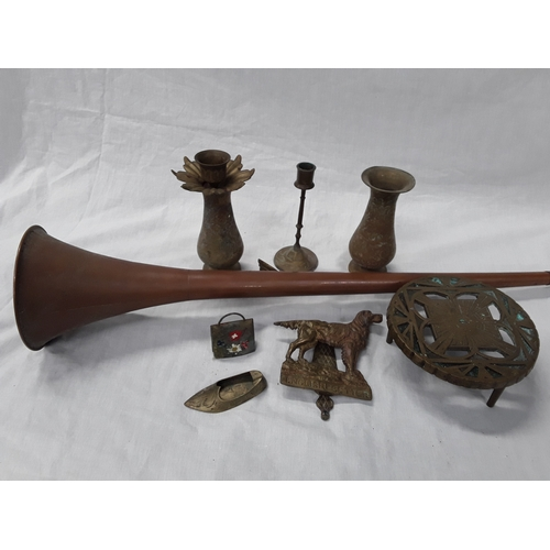 15 - A Hunting horn together with various items of metal ware....
