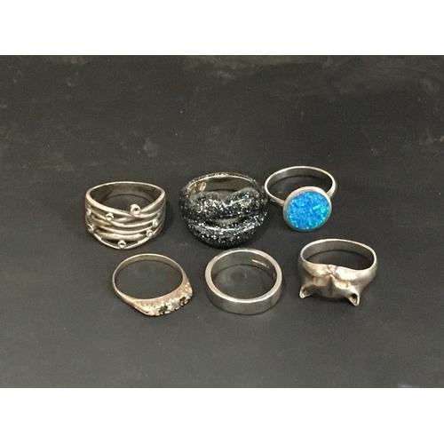 991 - Six silver rings....