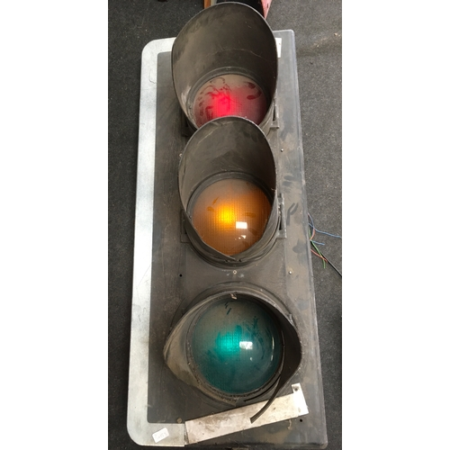 35M - A set of traffic lights....