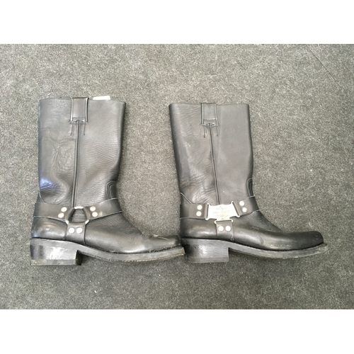 3M - A pair of Harley Davidson motorcycle boots....