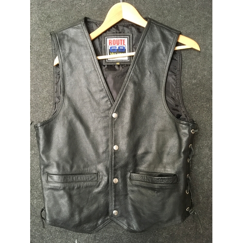6M - A leather biker waistcoat '42