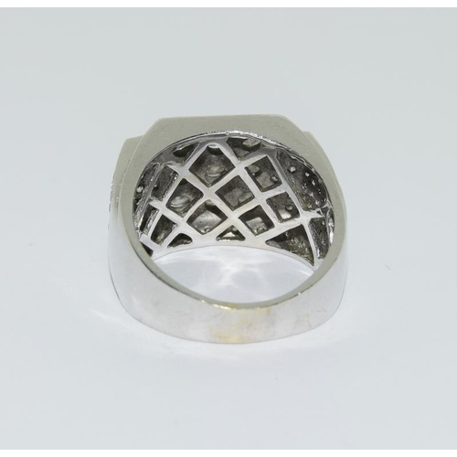 501 - A Gents Diamond ring approx. 3.3ct colour est H/I clarity est SI2 14ct white gold, Size X+....