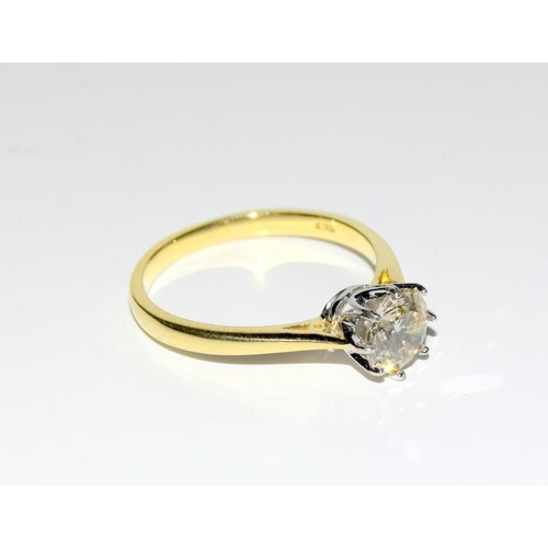 370 - A Diamond round cut solitaire approx. 1.00 carat set in 18ct gold ring (size P)....