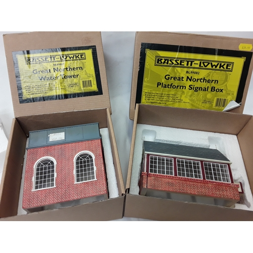 13 - Bassett Lowke O Gauge Great Northern Platform Signal Box - BL99082 and Great Northern Water Tower - ...