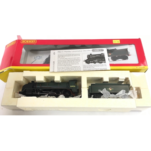 22 - HORNBY OO gauge R2625X  BR Green Class N15 4-6-0 'Sir Kay' - DCC Fitted - with Instructions and unop...