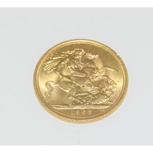 380 - Queen Elizabeth II Gold Sovereign. 1963...
