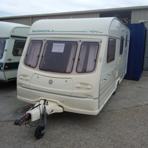 1415 - An Avondale Dart 470-4 four birth caravan from 1998. Includes contents and accessories. Full invento...