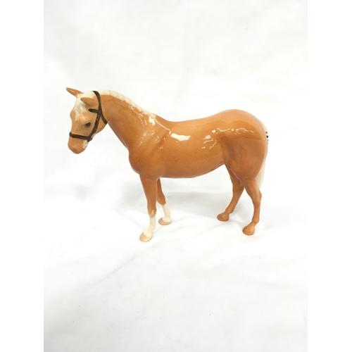 18 - Beswick Palomino horse....