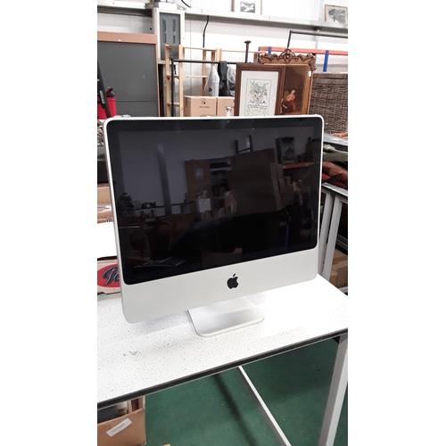 2079 - An Apple Mac computer....