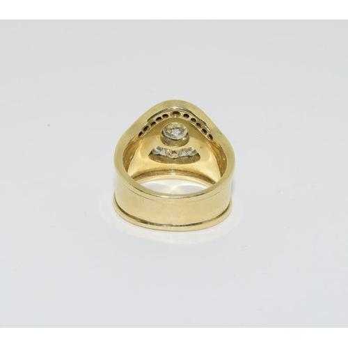13 - 18ct gold diamond ring, approx 1ct diamonds....