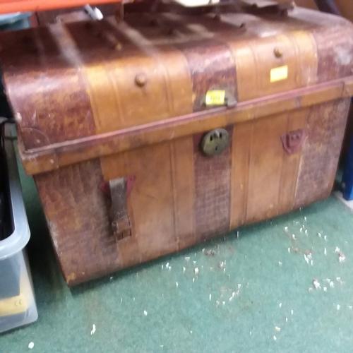 2121 - A large tin trunk....