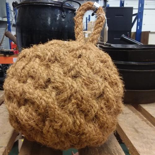 "2124 - A 12"" coir ball fender (67)...."