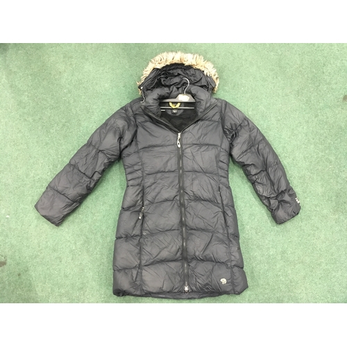 2308B - A black women's Mountain Hardware jacket, size s/p (REF:13)....