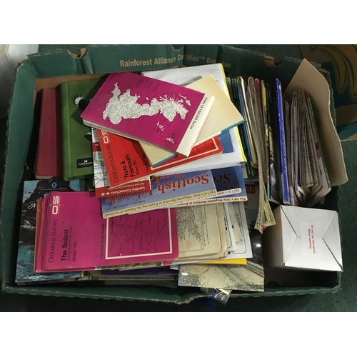 2600 - A quantity of maps and travel guides....