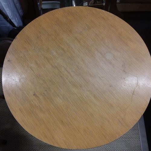 1458 - A iron based pub table....