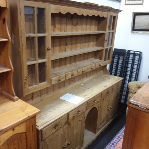 1481 - A Welsh pine dresser....