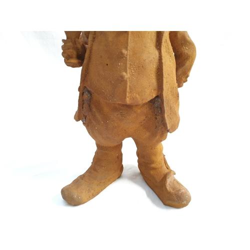 2005 - A Mr Ratty metal statue (168)....