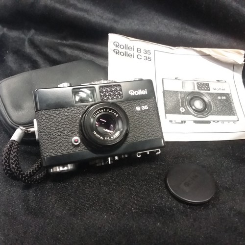1358 - A Rollei B35 camera (black) for film format 24 x 36mm with case and instruction booklet....