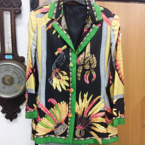 1122 - A ladies silk jacket....