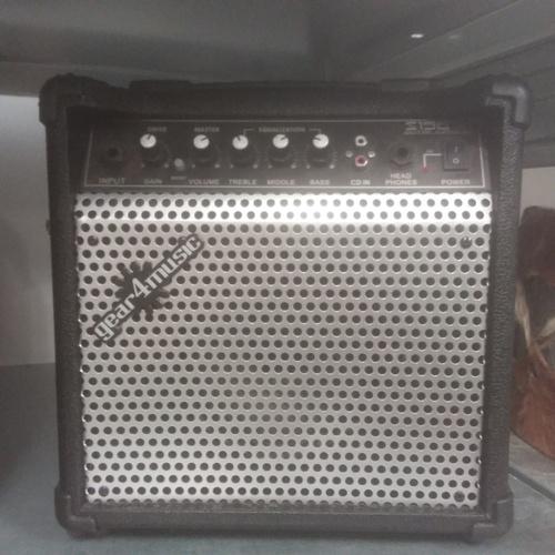 1192 - A gear4music s156 amplifier....
