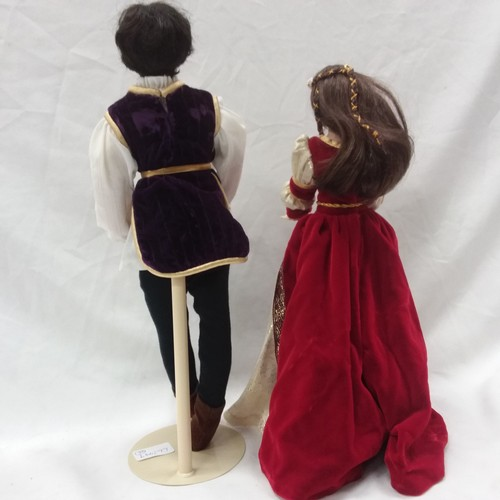 1200 - A pair of modern Romeo and Juliet dolls....