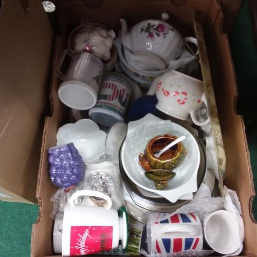 1431 - A box of china/kitchenalia....