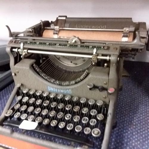 2030 - A vintage Underwood typewriter....