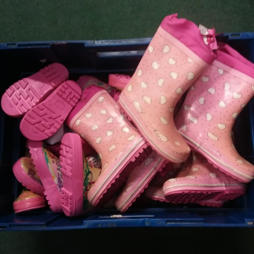 2034 - A collection of Hello Kitty children's Wellington boots....