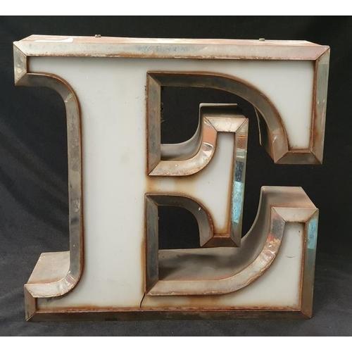 1020 - A large 'E' light box....