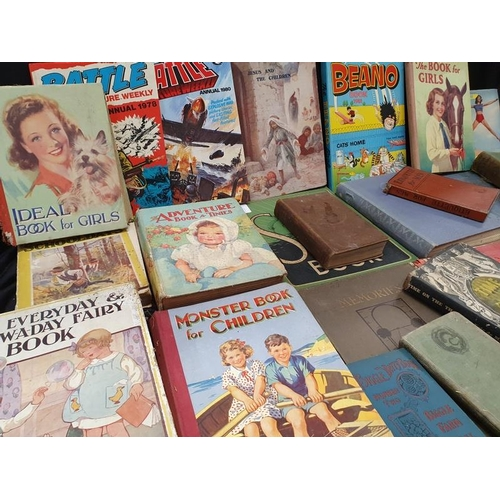 1121 - A collection of vintage books....