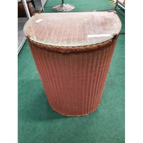 1125 - A vintage Lloyd Loom laundry basket....