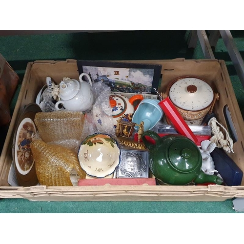 1531 - A box of various China and glass...