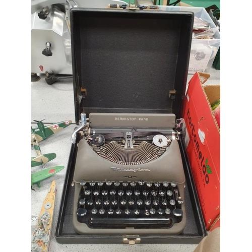1533 - A vintage Remington Rand typewriter....