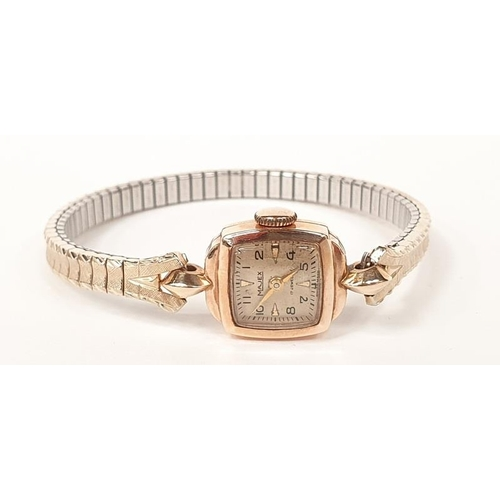 41 - A Majex 9ct gold ladies watch in working order....