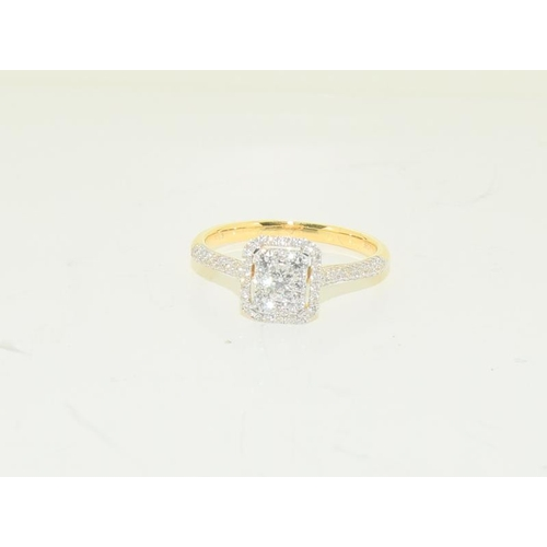 1391 - An 18ct yellow gold Diamond cluster ring of 60 points. Size O....