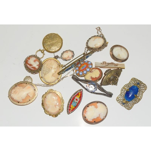 1352 - Box of antiques shell cameos micro mosaic broochies....