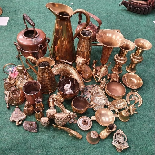 364 - A collection of assorted brassware.