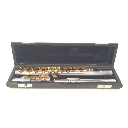 178 - Virtosi flute in a case.
