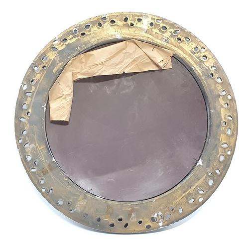 462 - Gilt frame convex mirror. 55cm diameter....