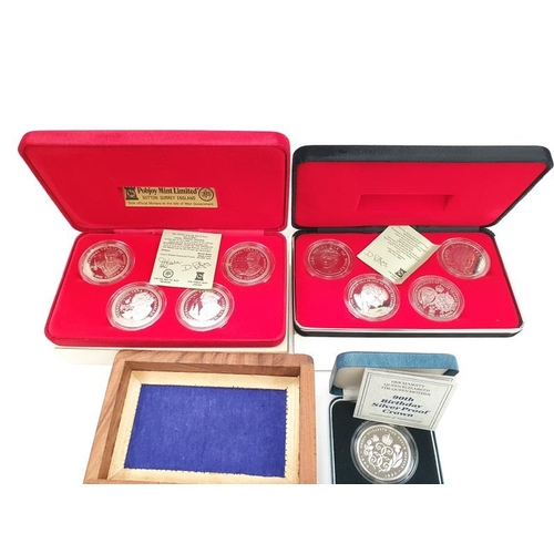 339 - Collection of assorted coins to include Silver 90th Birthday Crown, American 1/4 dollar and proof co...